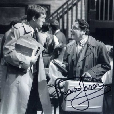 Sir David Jason Personally Signed 10x8 Photo Yuppy
